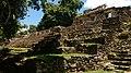 Foto en la Zona Arqueológica de Yaxchilan 01.jpg
