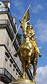 France, Paris, la statue de Jeanne d'Arc à la Place des Pyramides.jpg