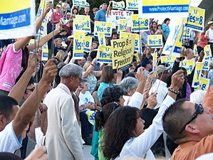 English: Rally for Prop 8 in Fresno, Californi...