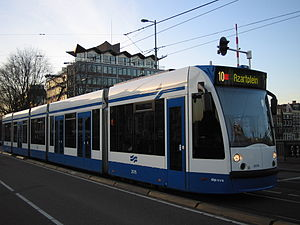 GVB Combino 2075 (Amsterdam tram) on route 10, January 2005.jpg