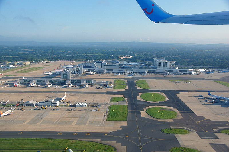 File:Gatwick Airport aerial view - Chris Sampson.jpg