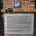 Gedenktafel Adendorf Dorfstraße 58 Wolfgang Mirosch.jpg