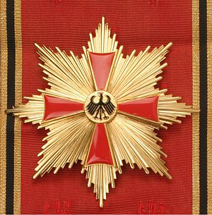 Order of Merit of the Federal Republic of Germany - Image: German order merit with special sash
