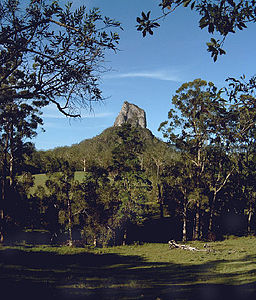 Der Mount Coonowrin in den Glass House Mountains