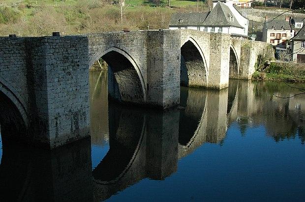 Monument historique à Entraygues-sur-Truyère