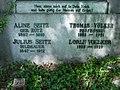 Grabstätte Familie Seitz Hauptfriedhof Freiburg 8.jpg