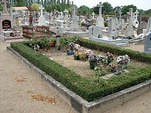 قبر لوئی دوفونس