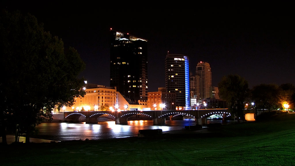 FileGrand Rapids Skyline night 2009jpg Wikipedia