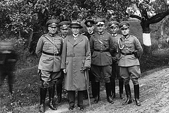 Kurt von Schleicher - Schleicher (left) with Groener and other officers in 1930.