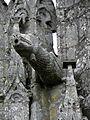 Guern (56) Basilique Notre-Dame de Quelven Gargouille 02.JPG