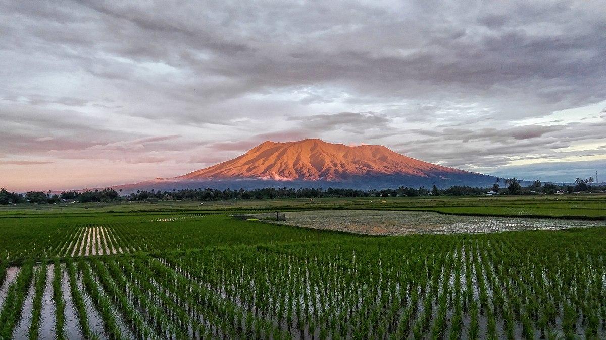 Pegunungan di Pulau Sumatera