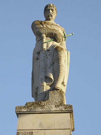 Chiclana de la Frontera - Statue of Alonso Pérez de Guzmán (Tarifa, Cádiz), leader of the Christian army first to enter the town after the Moors had deserted it in 1303.