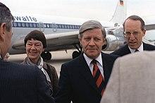 Helmut Schmidt e la moglie Loki al loro arrivo in Maryland il 20 maggio 1981