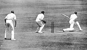 Herbert Sutcliffe's cricket career (1919–27) - Herbert Sutcliffe batting at Sydney Cricket Ground in 1924