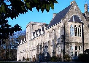 St Beuno's Jesuit Spirituality Centre - Image: Housedimcars