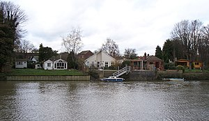 Eel Pie Island - Image: Housing on Eel Pie Island 4