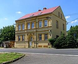 Hrob, Křižanov, old school.jpg