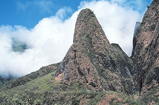 A much eroded shield volcano that constitutes the western one-quarter of the Hawaiian Island of Maui