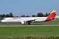 Iberia, EC-IXD, Airbus A321-211 (16430900276).jpg