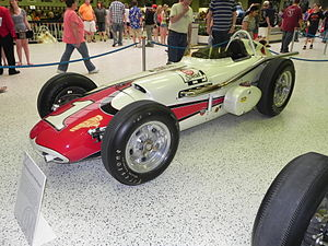 1961 Indianapolis 500 - Image: Indy 500winningcar 1961
