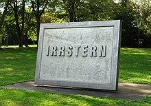 https://upload.wikimedia.org/wikipedia/commons/thumb/5/56/Irrstern_-_Marikke_Heinz-Hoek_2000-3.jpg/220px-Irrstern_-_Marikke_Heinz-Hoek_2000-3.jpg