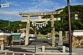 Izuhara-hachimangu-jinja, torii-1.jpg