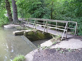 Pymmes Brook - The weir at the south of Jack's Lake at Monken Hadley Common where Pymmes Brook was dammed.