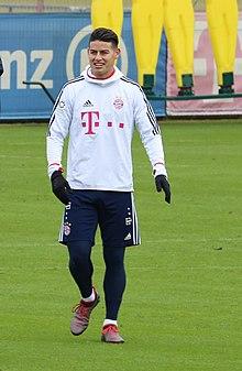 James Training 2018-01-28 FC Bayern Muenchen-4.jpg