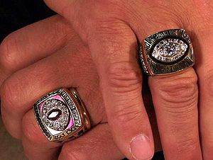 Joe Theismann - Joe Theismann's NFL rings (2006); his 1983 NFC Championship ring (left), and his 1982 Super Bowl XVII Championship ring (right)