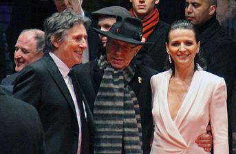 Juliette Binoche und Gabriel Byrne Berlinale 2015.jpg