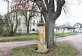 Kříž na rozcestí u domu 1 v Hroněticích (Q104974188).jpg