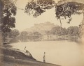 KITLV 100094 - Unknown - Parvati Temple and Hill, seen from the Parvati Lake at Poona in India - Around 1875.tif
