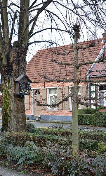 File:Kapelletje in De Linden, Zandhoven.jpg