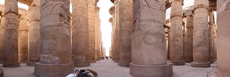 Карнакский храм, колоннада