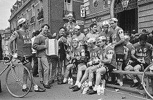 Kas (cycling team) - The Kas–Kaskol team at the 1964 Tour de France