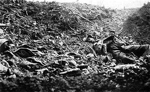 Kemmelberg - Bodies on the Kemmelberg in April 1918