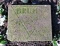 Kissenstein Elisabeth und Gustav Bruhn Ehrenhain FriedhofOhlsdorf.jpg