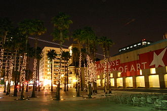San Jose Museum of Art - Night view of the museum and the Circle of Palms