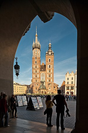 Kraków - Image: Kościół parafialny p.w. Wniebowzięcia NMP (Mariacki), Kraków, Rynek Główny, A 3 01