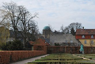 Østervold Observatory - The dome of the observatory seen from Rosenborg Castle Gardens