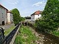 Kosova Hora, Mastník, čp. 21, vlevo zámek.jpg