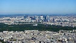 La Défense and Bois de Boulogne from the Eiffel Tower, 11 June 2017 001.jpg