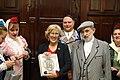 La alcaldesa se reúne con la junta directiva de la Agrupación de Madrileños y Amigos Los Castizos 06.jpg