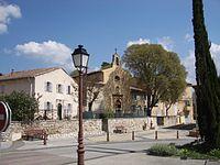 La place de l'église de Meyreuil.jpg