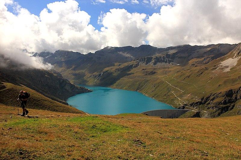 Осень в Швейцарии. Свободное изображение Википедии. Автор фотоизображения Dominicus Johannes Bergsma.