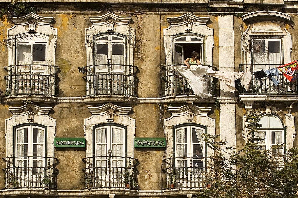 Immeuble résidentiel à Lisbonne - Photo de Luca Galuzzi (Lucag)
