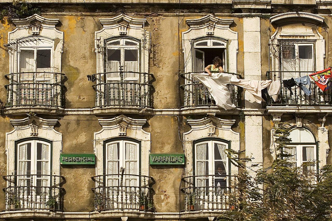 Façade d'immeuble à Lisbonne.  (définition réelle 2000×1333)