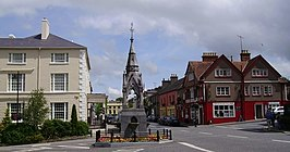 Lismore Monument and Main Street - geograph.org.uk - 501518.jpg