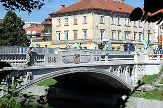 Dragon Bridge (Ljubljana) - Image: Ljubljana Drachenbrücke 03