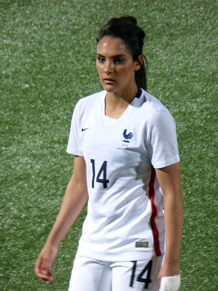 Louisa Nécib playing for France in 2015